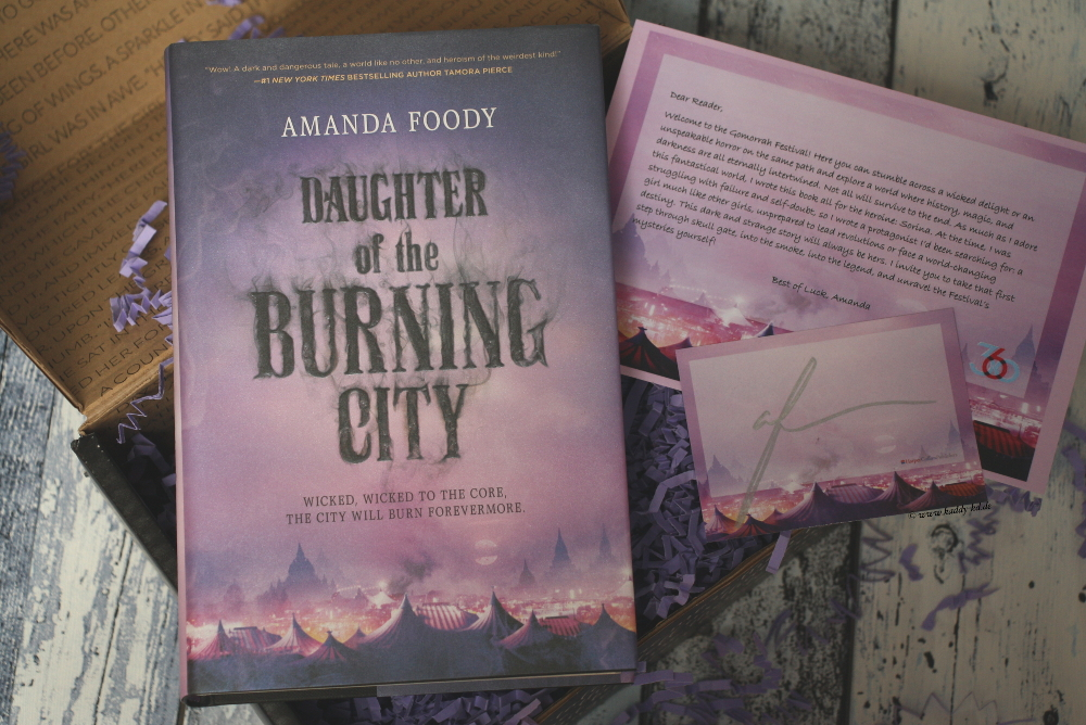 FairyLoot Unboxing Juli 2017 Tricksters Daughter of the burning city amanda foody