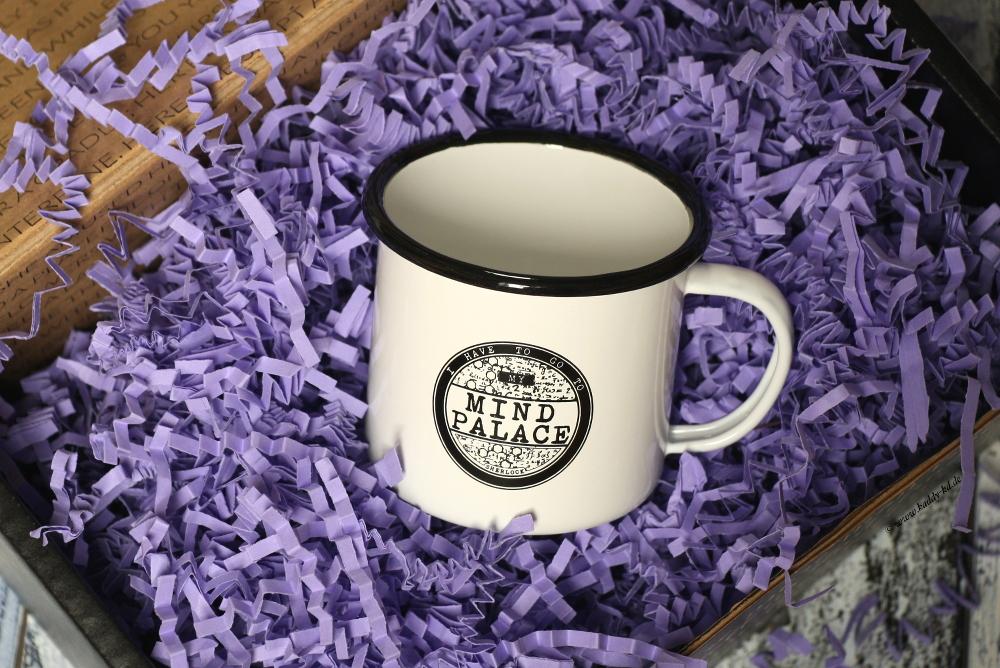 FairyLoot Unboxing Juli 2017 Trickster Sherlock Enamel Tin Mug Fictiontea Designs